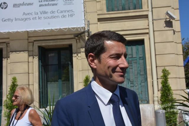 """CANNES HABILLE LE PALAIS DES FESTIVALS ET DES CONGRES DE """"JE SUIS CHARLIE"""""""