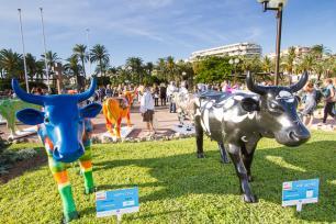 CANNES – ULTIME ETAPE DE LA PREMIÈRE COW PARADE TRANSHUMANCE